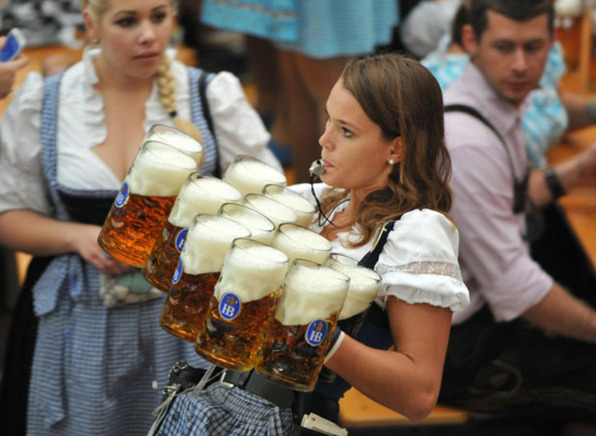 oktoberfest-girl-carrying-beer