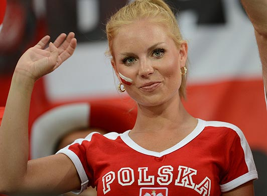 Polish-fans-5_1538380a